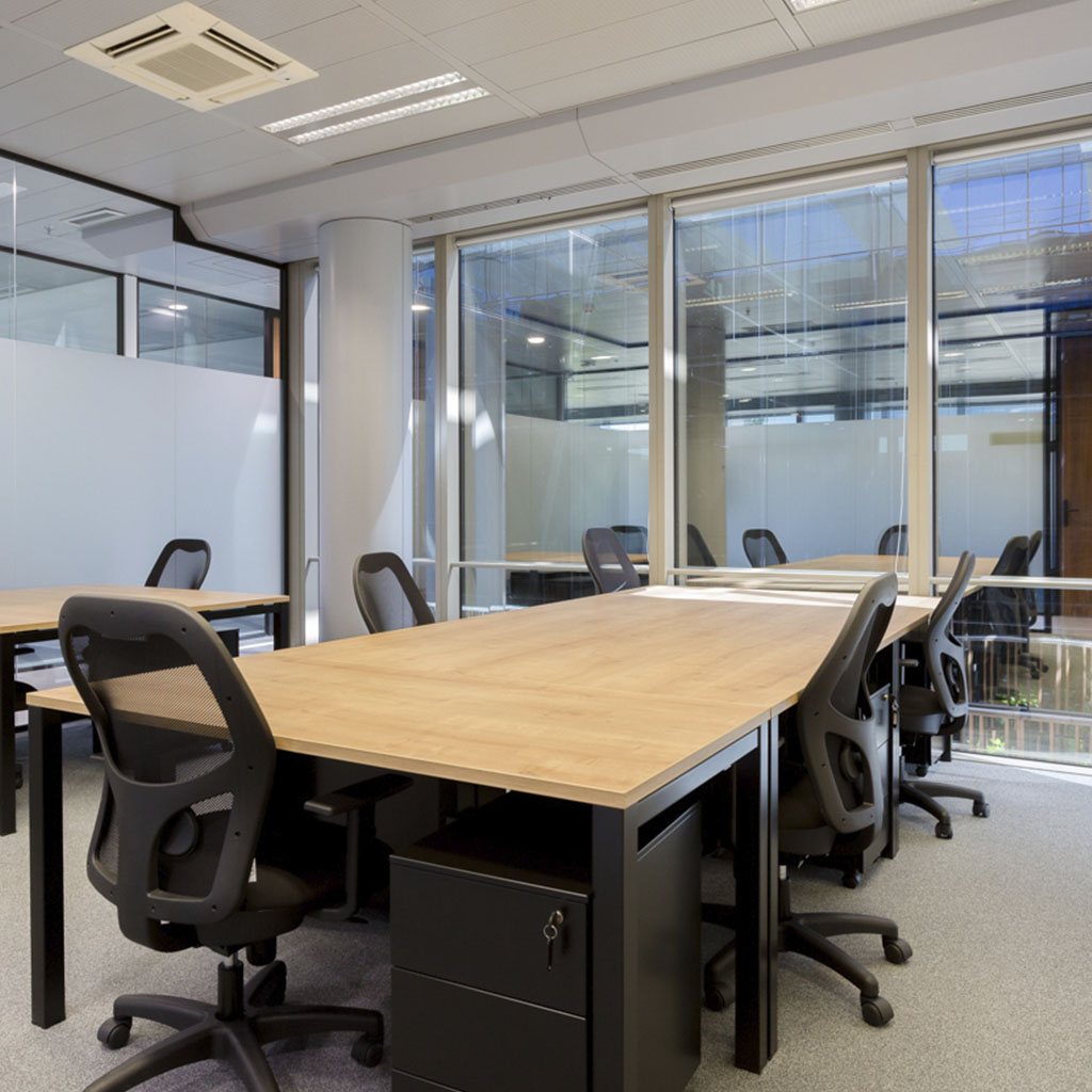Oficinas First Workplaces